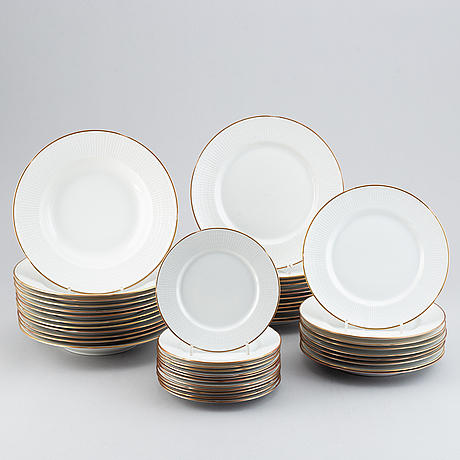 A louise adelborg part dinner service, 'swedish grace', for rörstrand, 20th century (44 pieces).