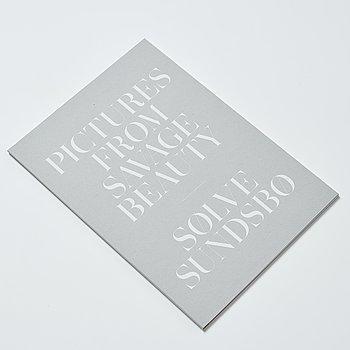 Sølve Søndsbø, bok Pictures from Savage Beauty signed.