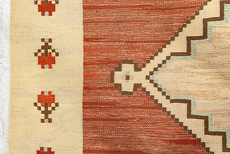 A swedish 1940's art deco flat weave carpet ca 404 x 279 cm.