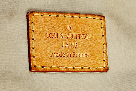 """Louis vuitton """"mesaju"""", axelväska."""