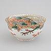 Skål, porslin. japan, meiji (1868-1912).