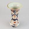 An imari vase, japan, 19th century.