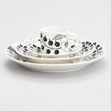 "Birger kaipiainen, serving dishes, 37 pcs, ceramics, ""paradise"", arabia, the later half of 20th century."
