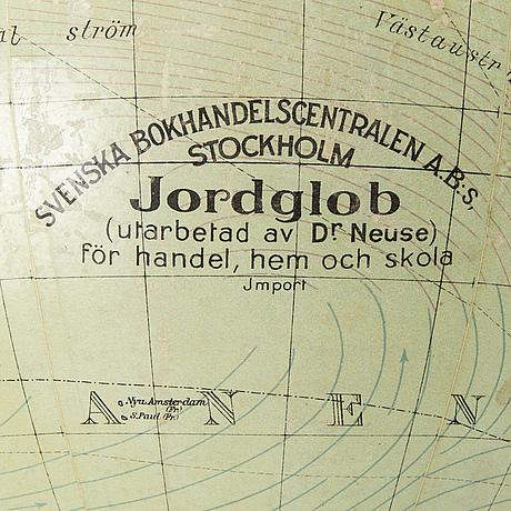 Jordglob 1900-talets första hälft.