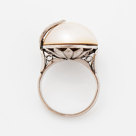 Ring with mabe pearl and eight-cut diamonds.