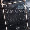 Birger kaipiainen, a decorative plate signed kaipiainen arabia.