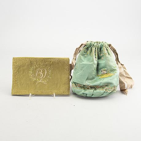 Plånböcker 3 st samt väska empire 1800-talets mitt.