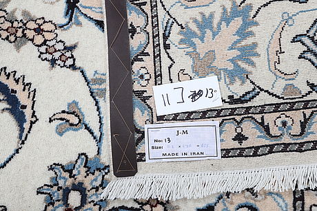 A carpet, nain, part silk, 9 laa, ca 318 x 196.