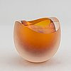 Hanne dreutler & arthur zirnsack, a glass vase from studio åhus.