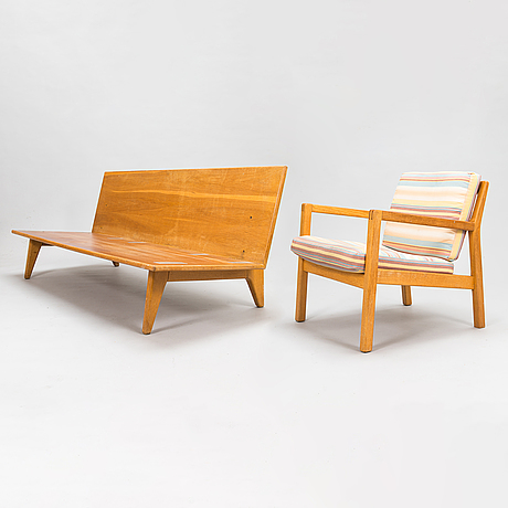 """Carl gustaf hiort af ornäs, sohva """"åre"""" ja nojatuoli """"rialto"""", valmistaja puunveisto oy - träsnideri ab, 1950-luku."""