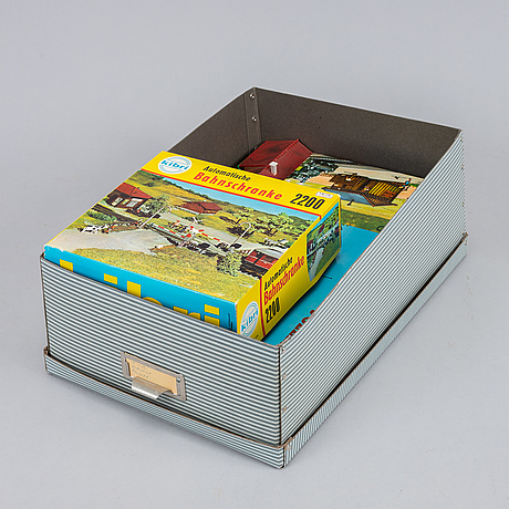 Märklin, a large collection of locomotives, wagons and accessories.