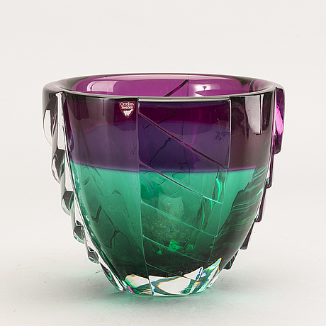 Erika lagerbielke, vase in glass, 91. signed.