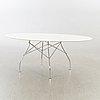 """Antonio citterio & oliver löw, bord """"glossy"""" för kartell, sent 1900-tal."""