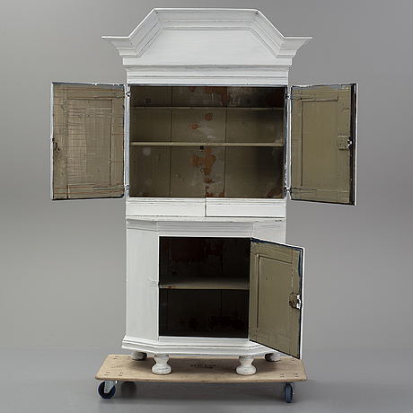 A swedish cupboard, first half of the 19th century.
