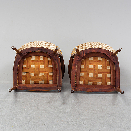 A pair of art noveu armchairs, early 20th century.