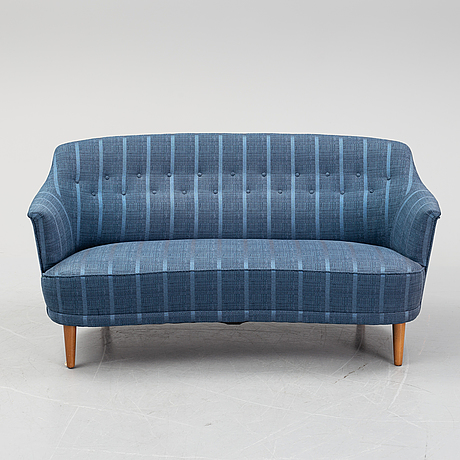 A 'widare' sofa by carl malmsten, for ab o.h sjögren. second half of the 20th century.