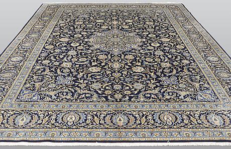 A carpet, kashan, ca 423 x 313 cm.