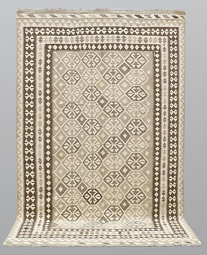 A carpet, kilim, ca 304 x 196 cm.