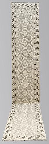 A runner, kilim, ca 491 x 79 cm.