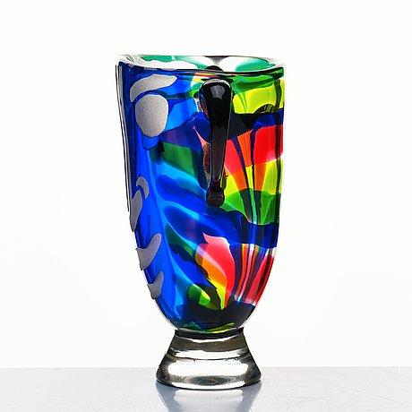 Bengt lindström, a blasted glass vase, kosta boda, numbered 9/95.