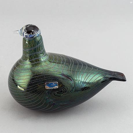 Oiva toikka, a glass bird, nuutajärvi notsjö, finland.