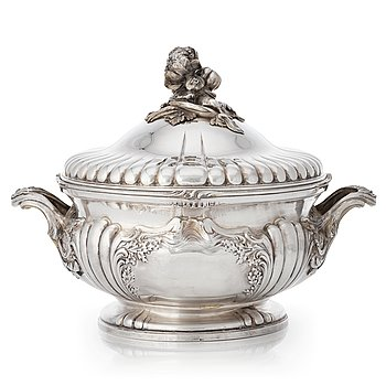 211. A French Louis XV-style silver tureen, 19th century.