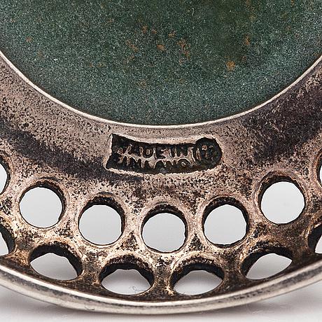 A stelring silver necklace, model 1621, with a epidote. kalevala koru, helsinki 1994.