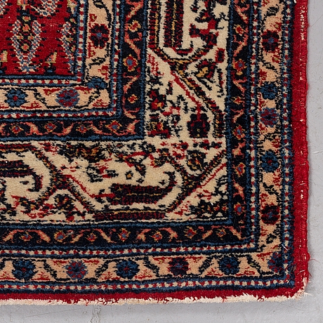 Matto, a semi-antique oriental with serabend patterns, ca 197,5-199 x 133,5-135,5 cm.