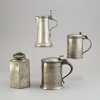 Bottle and tankards, pewter, including Gustaf Otto Ekström, Örebro 1862. (4 pieces).