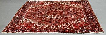 Matto, semi-antique/old Heriz, ca 340 x 256 cm.