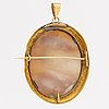 Brooch /pendant 18k gold shell cameo, probably 1800s, approx 6 x 5 cm.