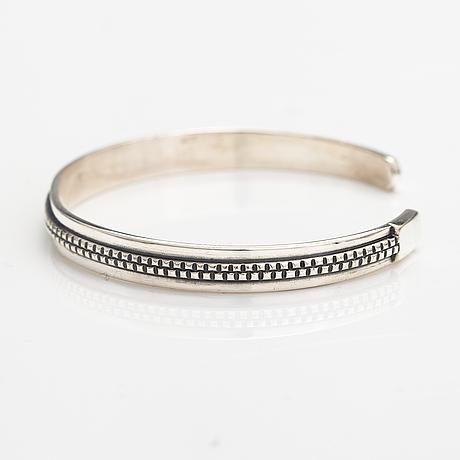 Armband, modell 1269, silver. kalevala koru, helsingfors 1964.