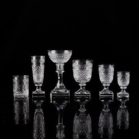 Elis bergh, a part 'kent' glass service, kosta boda (48 pieces).