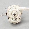 """Vägglampa, """"triplex-pendel"""", 1900-talets mitt."""