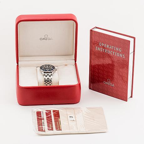 Omega, seamaster professional (300m/1000ft), chronometer, wristwatch, 36,25 mm.