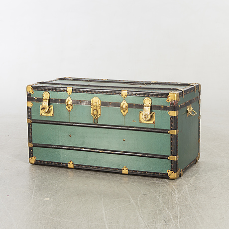A brevettato trunk, italy first half of the 20th century.