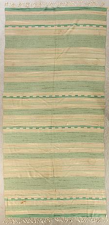 Matta, södra kalmar läns hemslöjd, daterad 1938, ca 470 x 190 cm.