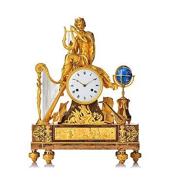 108. A Directoire around year 1800 mantel clock.