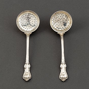 A pair of Swedish 19th century silver caster spoons, mark of Christian Hammer, Stockholm 1849.