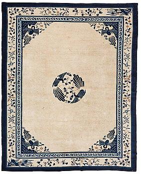 305. Matto, a semi-antique China, ca 348,5-350 x 279,5-282,5 cm.
