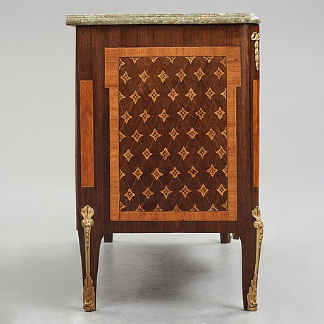 A gustavian late 18th century commode n. korp.