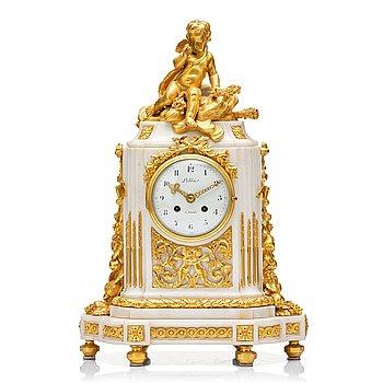 107. A Louis XVI mantel clock.