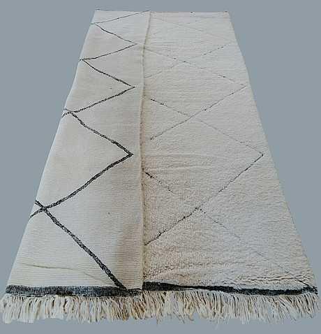 A carpet, morocco, ca 305 x 205 cm.
