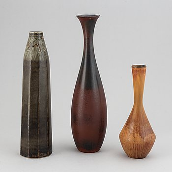 Carl-Harry Stålhane, a set of three stoneware vases, 1950/60s.