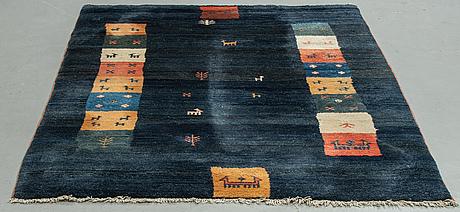 A carpet, oriental, ca 284 x 180 cm.