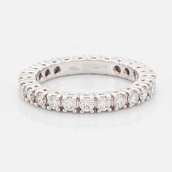 Ring allians med briljantslipade diamanter med certifikat HRD.