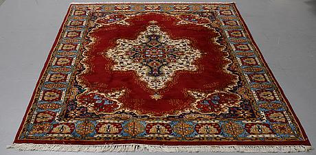 A carpet, oriental, ca 297 x 197 cm.
