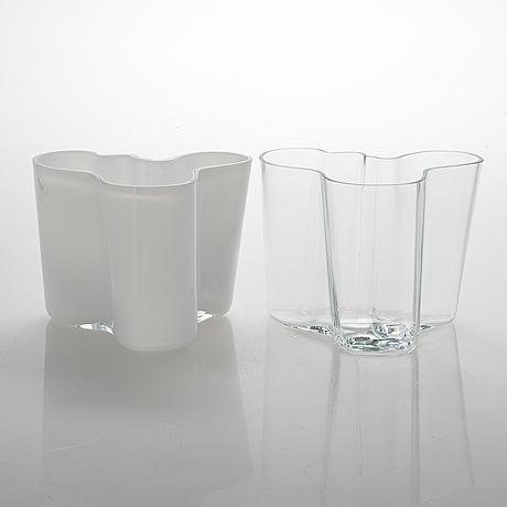 Alvar aalto, two glass vases for iittala, signed alvar aalto - 3030.