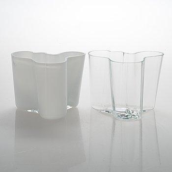 Alvar Aalto, Maljakoita, 2 kpl, lasia, Iittala, signeraatut Alvar Aalto - 3030.