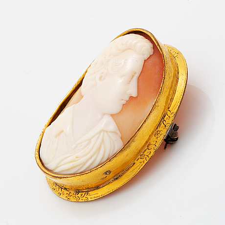 Carved shell cameo.